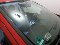Porysowana szyba samochodowa od wycieraczki