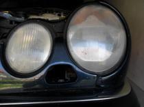 Regeneracja reflektorów Mercedes e klasa przed